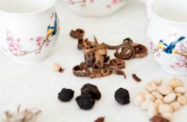 תה סיני ותמציות מרפא לטיפול בגסטריטיס